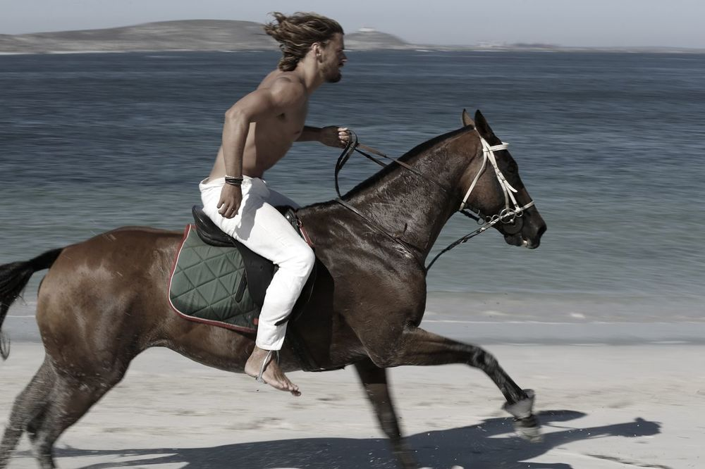 stephen-greef-fashion-lifestyle-photography-kult-men-horse-editorial-artists-legends-production_12_result.jpg