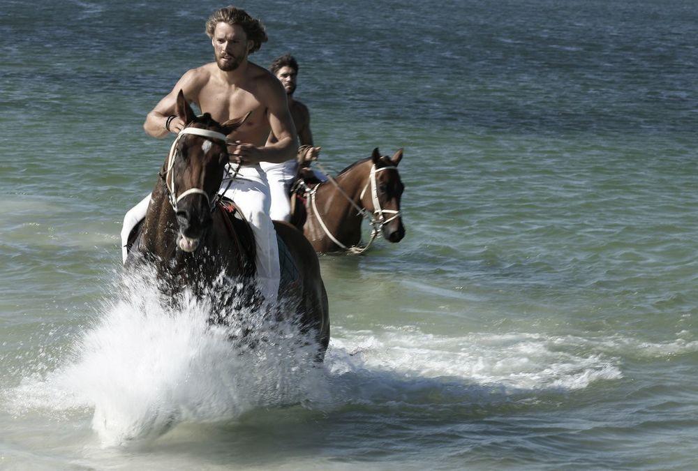 stephen-greef-fashion-lifestyle-photography-kult-men-horse-editorial-artists-legends-production_13_result.jpg