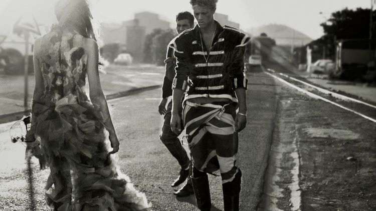 stephen-greef-fashion-lifestyle-photography-army-factory-editorial-artists-legends_05_result.jpg