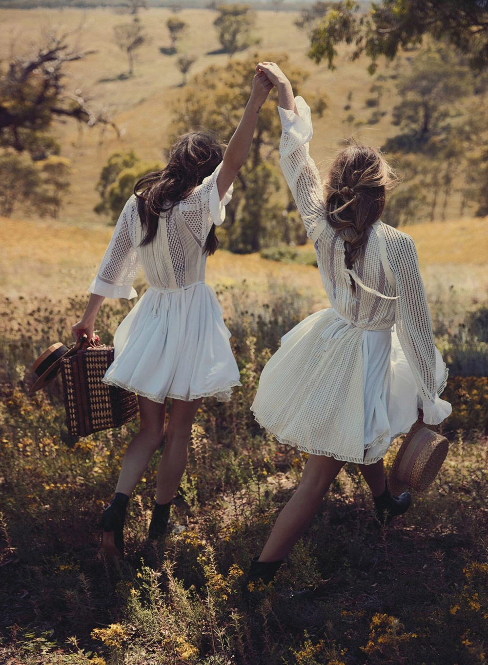 Vogue-Australia-March-2015-Pheobe-Tonkin-Teresa-Palmer-Will-Davidson-Oracle-Fox.4.jpg