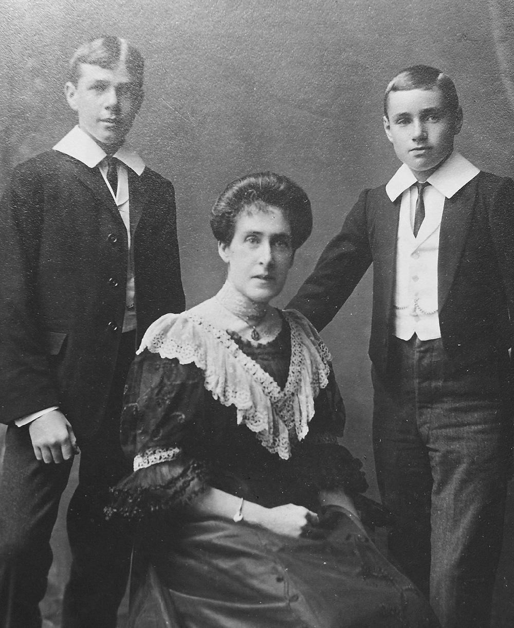 Eric John, Louise & Gerry Garner-Smith