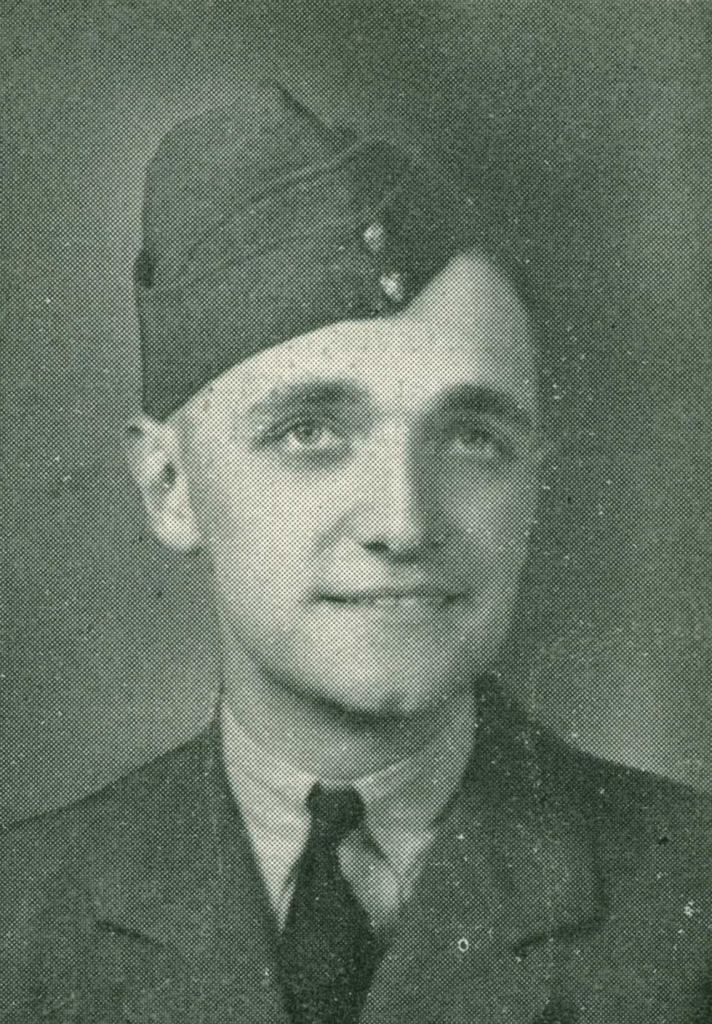 1941_08_12_young_charles.jpg