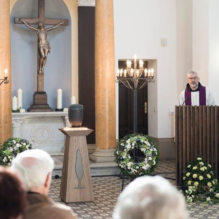 Sakrale Trauerfeier Sacral funeral ceremony