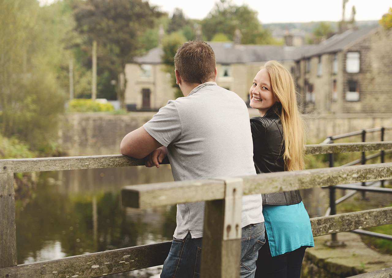 bury-ramsbottom-photography-session-outside-location.jpg