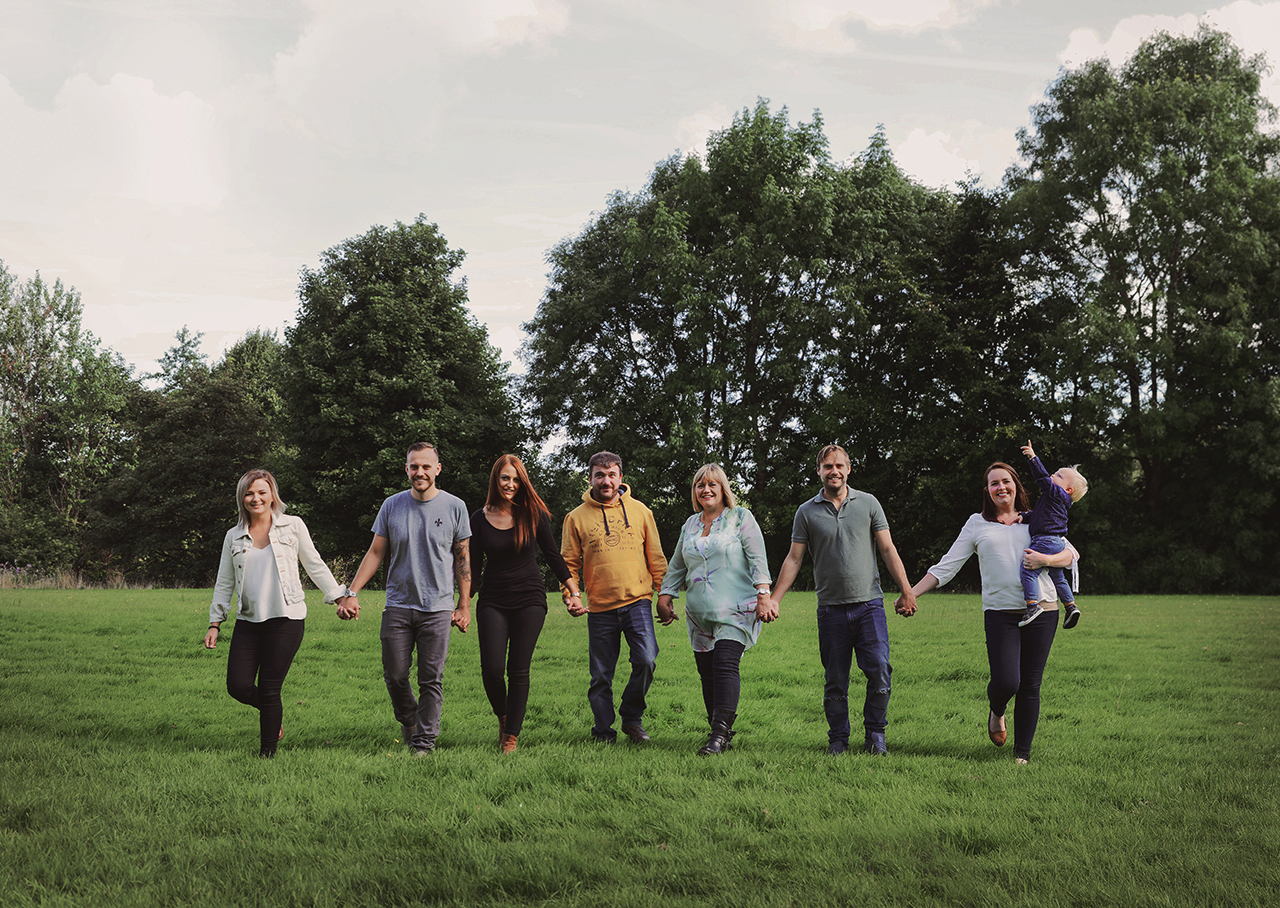 lifestyle-family-large-big-group-outdoor-photography-photoshoot-rochdale.jpg