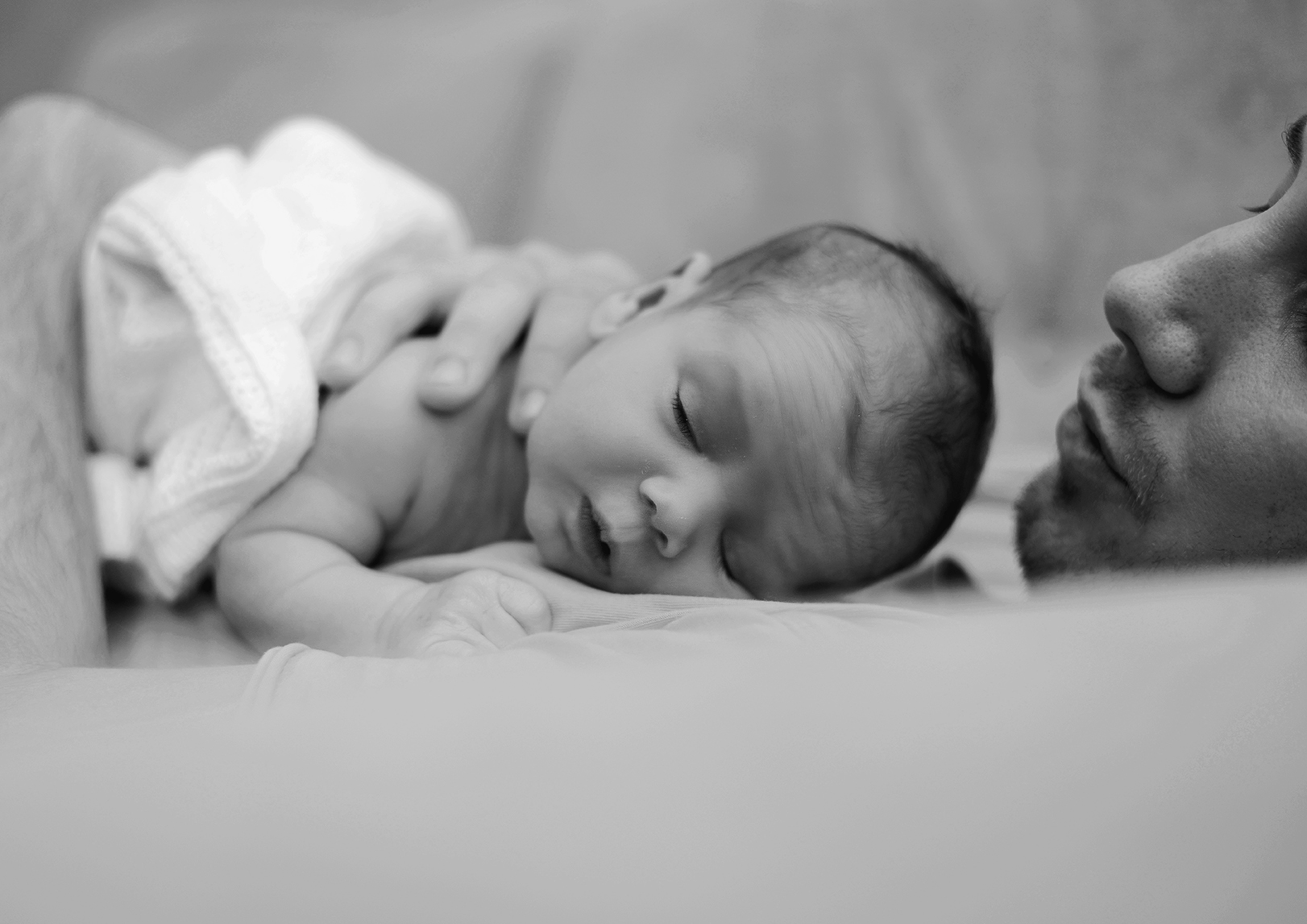 newborn-at-home-photoshoot_15.jpg