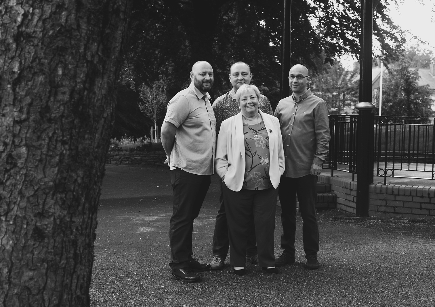 family-big-portrait-photography-lifestyle-outdoor-rochdale_03.jpg