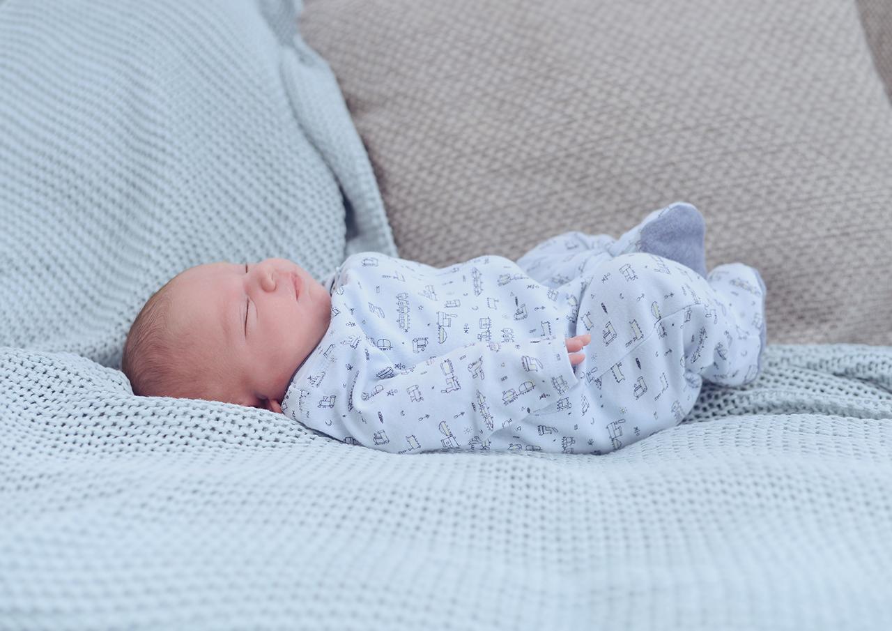 newborn-lifestyle-at-home_03.jpg