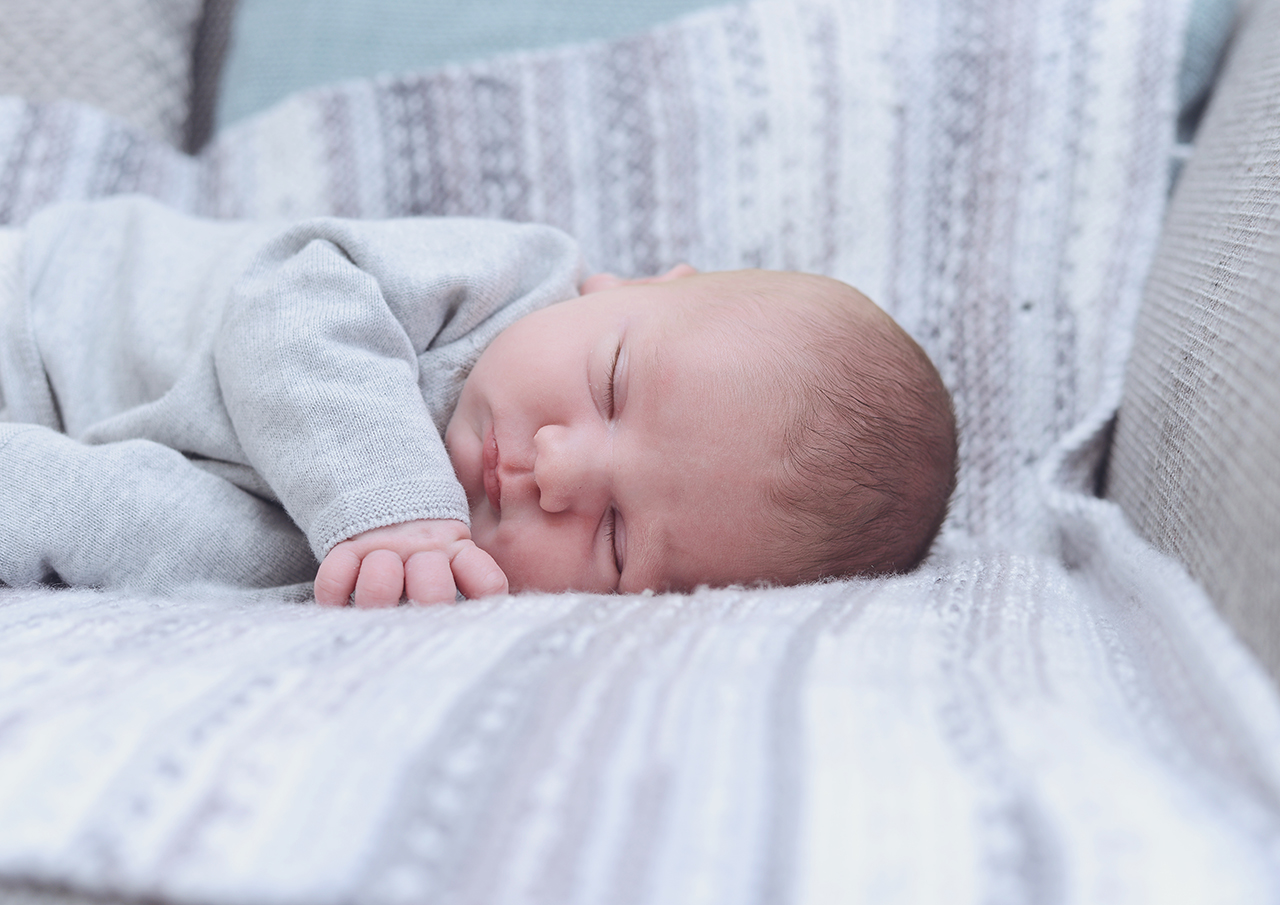 newborn-lifestyle-at-home_14.jpg