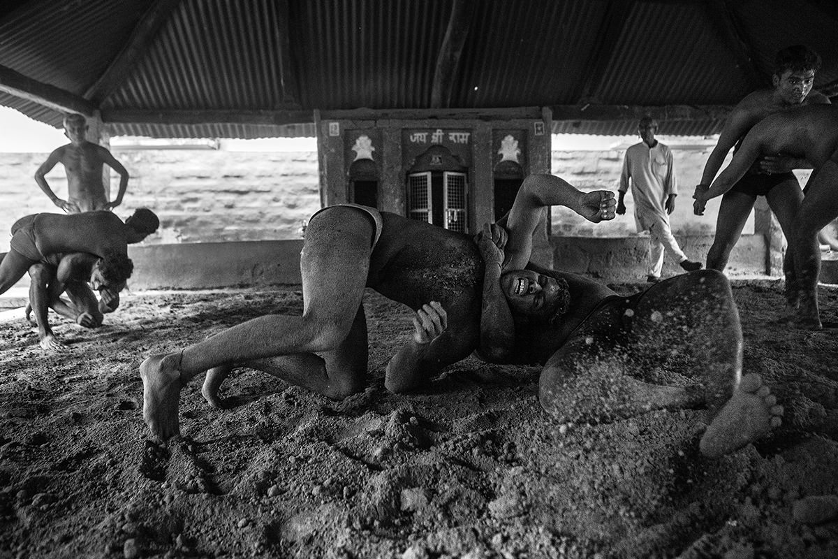 Kushti-fighters-varanasi09.JPG