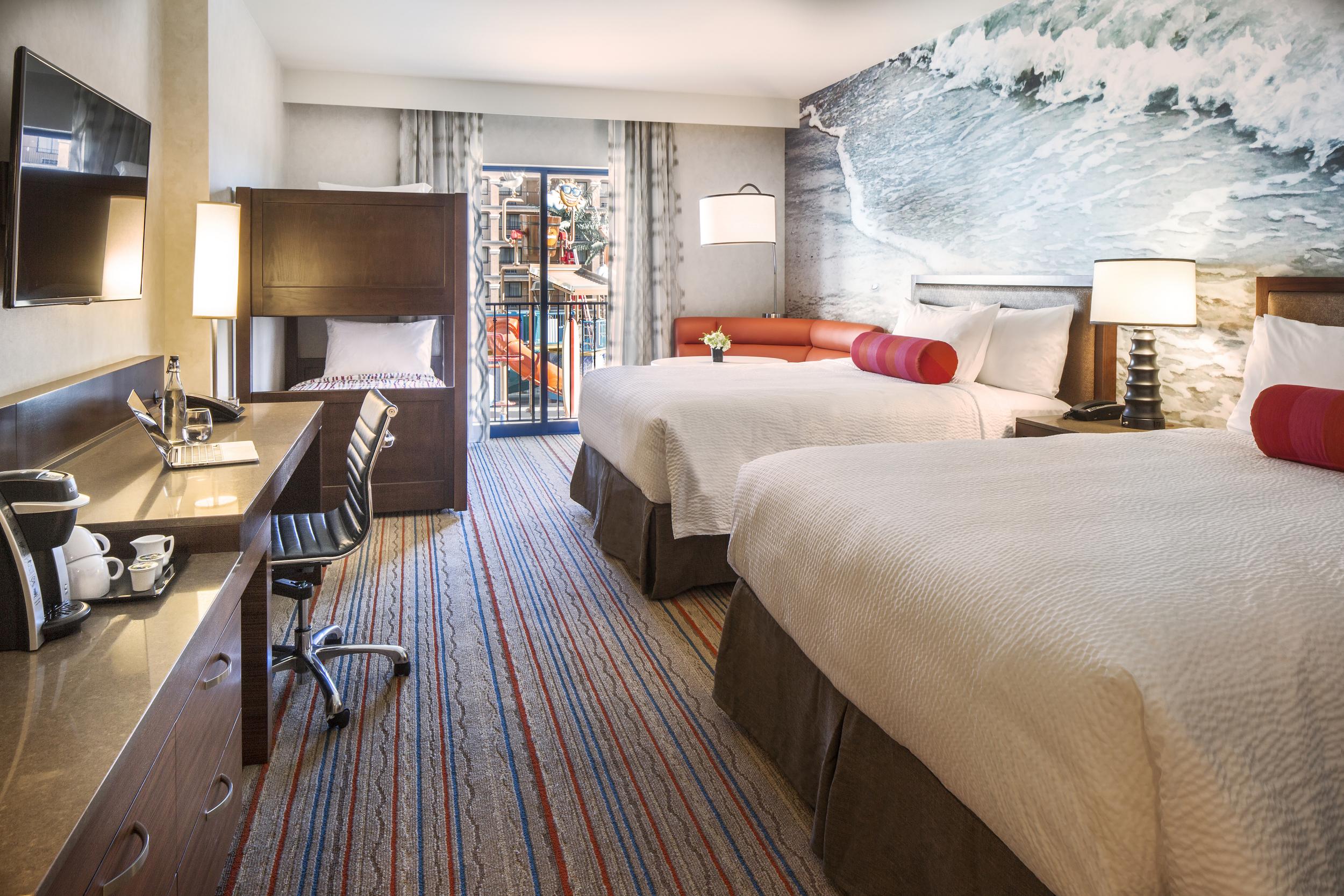 2 Queen,Bunk Bed Guestroom
