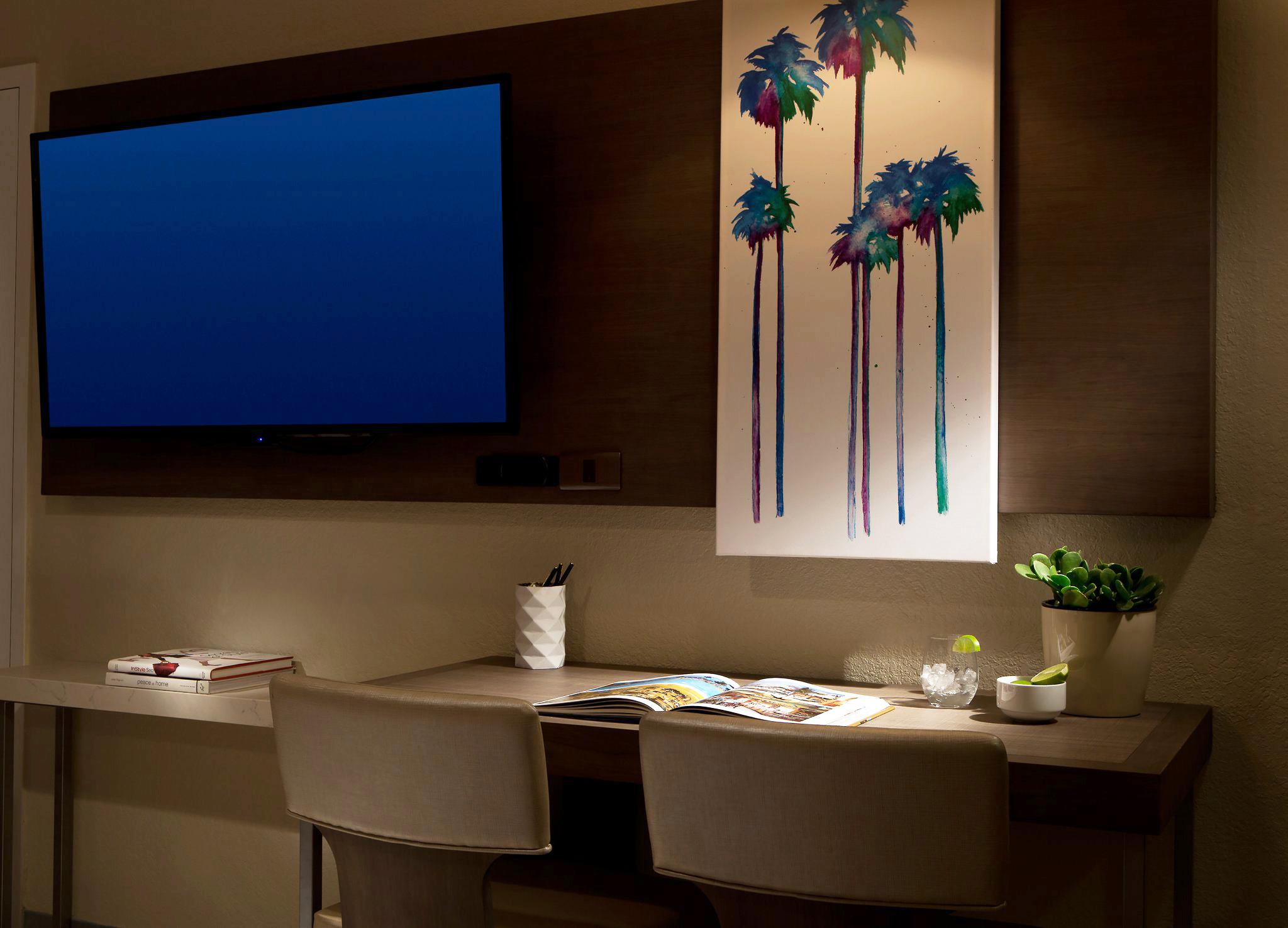 Guestroom; Living Room