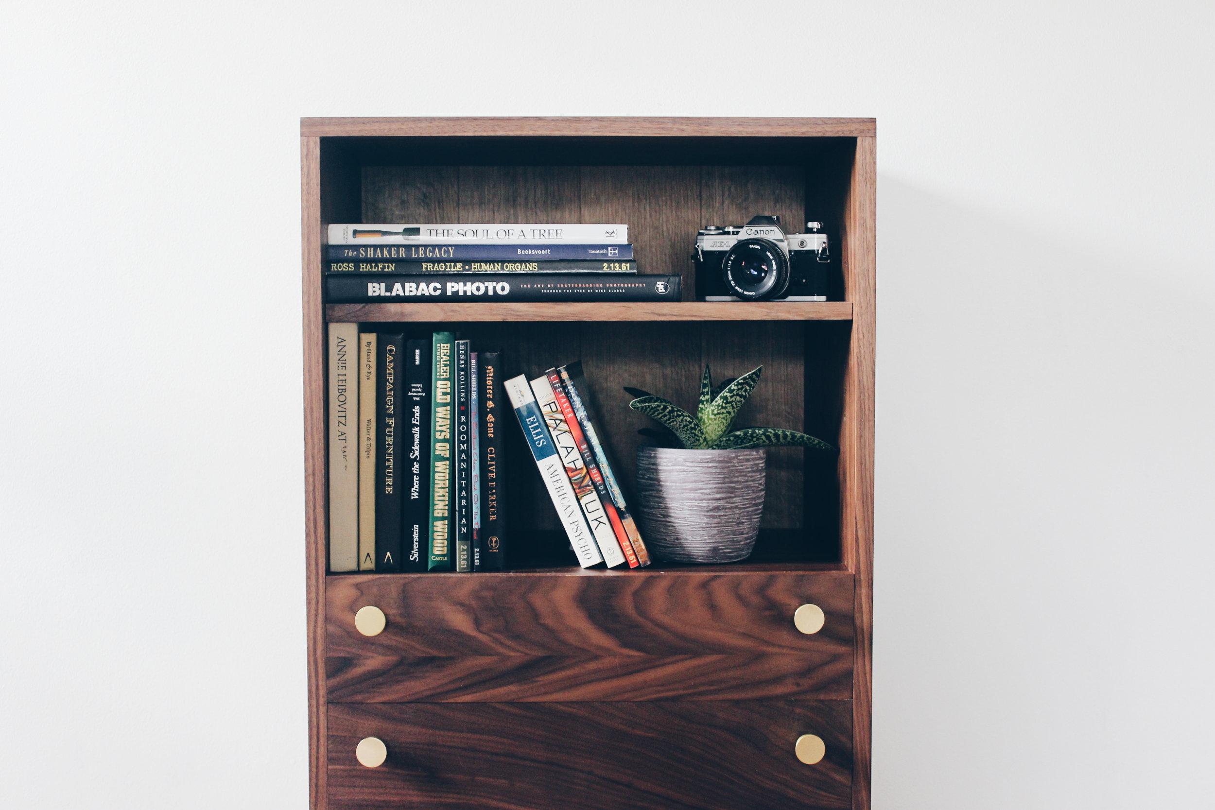 jantz book case -