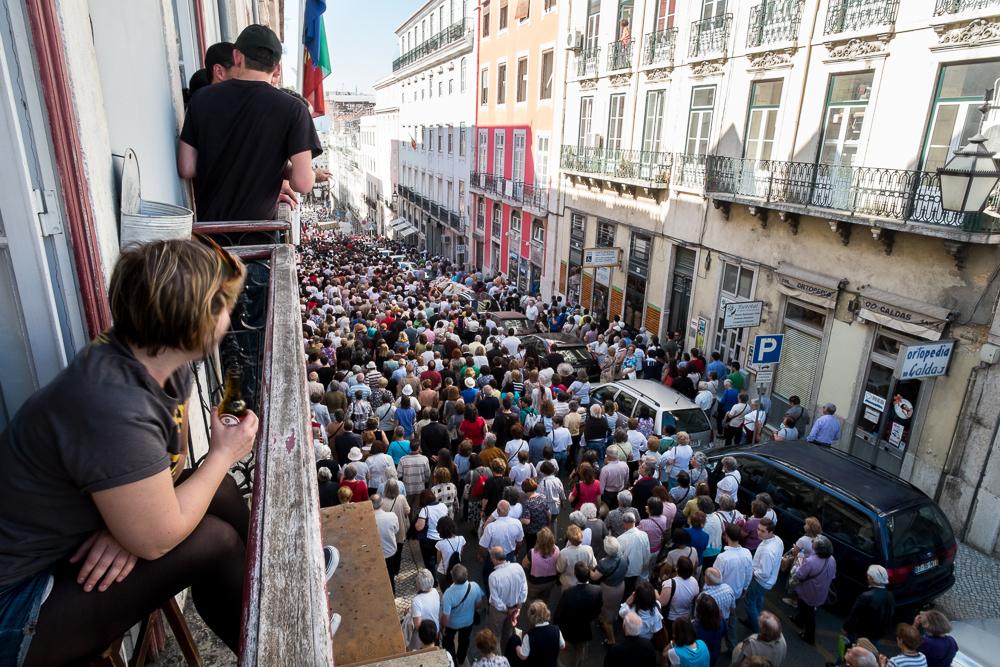Vista de uma varanda na Rua da Madalena