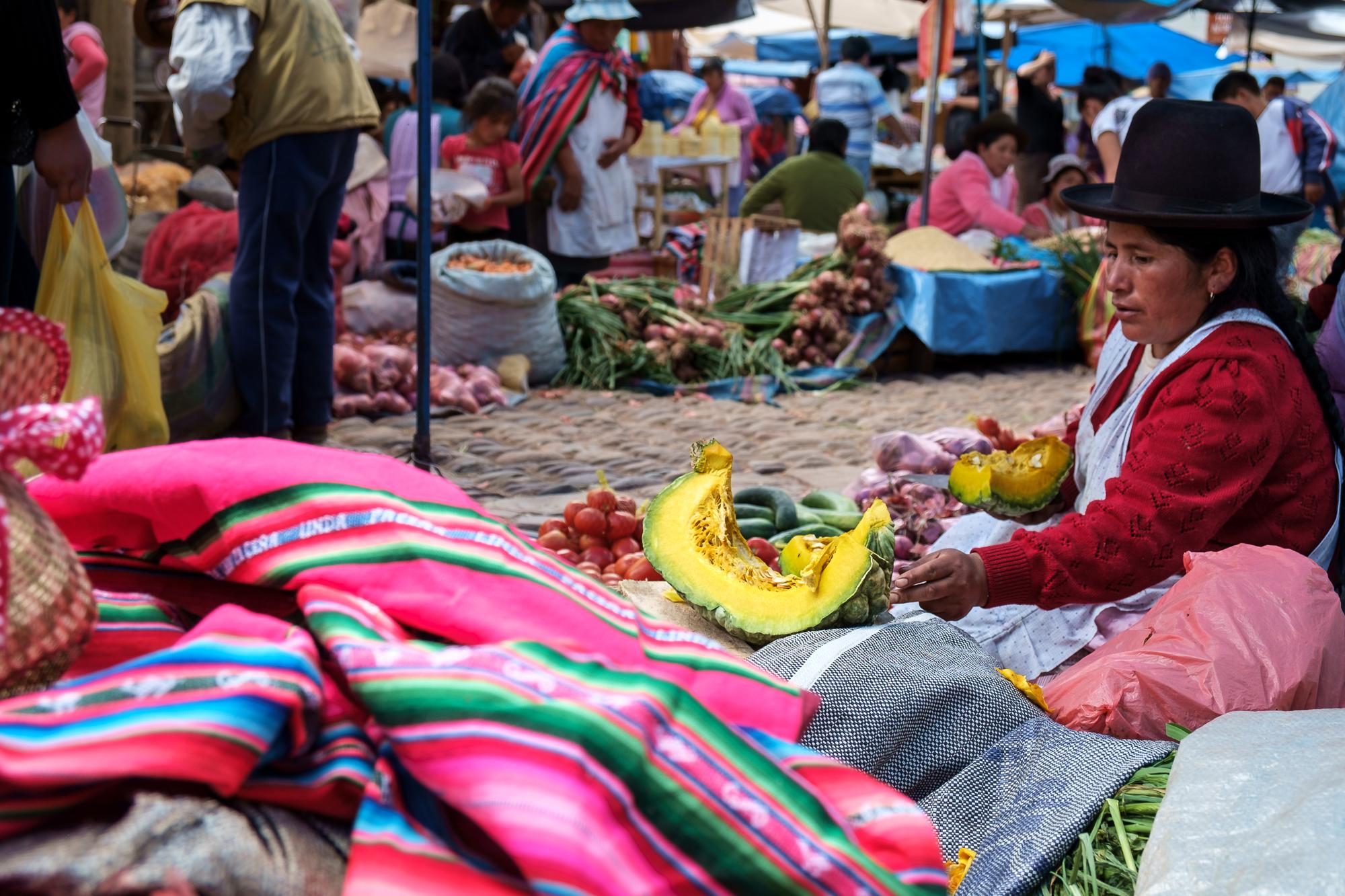 """O mercado """"tradicional"""" em Pisac"""
