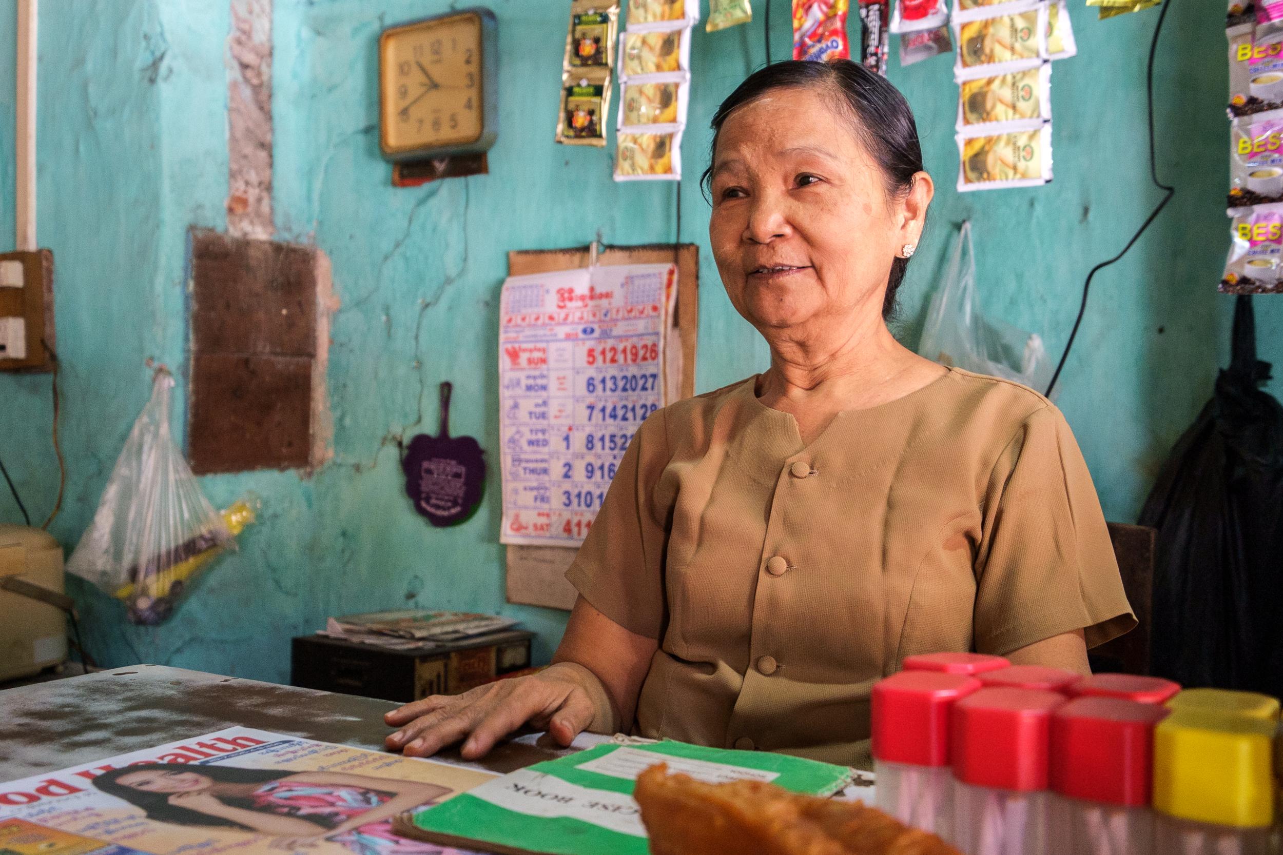 A dona do Lu Du no posto de comando.