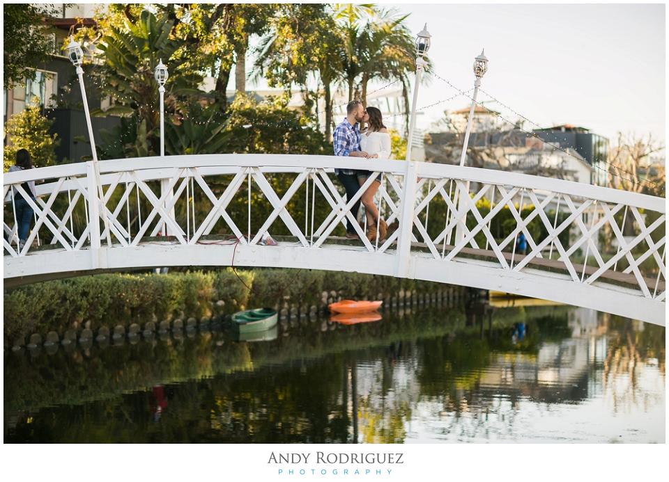 venice-canals-engagement-photos-vanessa-neil_0009.jpg