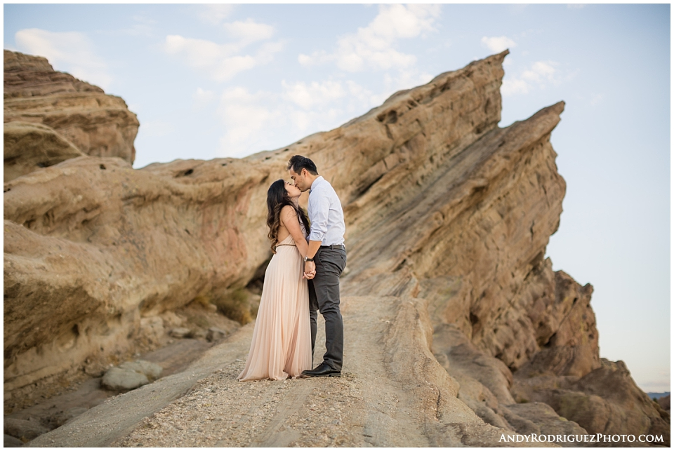 vasquez-rocks-engagement-photos_0026.jpg