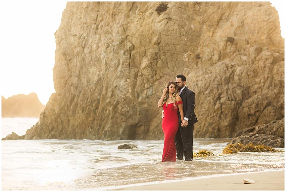 el-matador-beach-engagement_0008.jpg