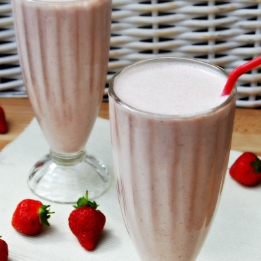 Oat Smoothie Strawberry Breakfast.jpg