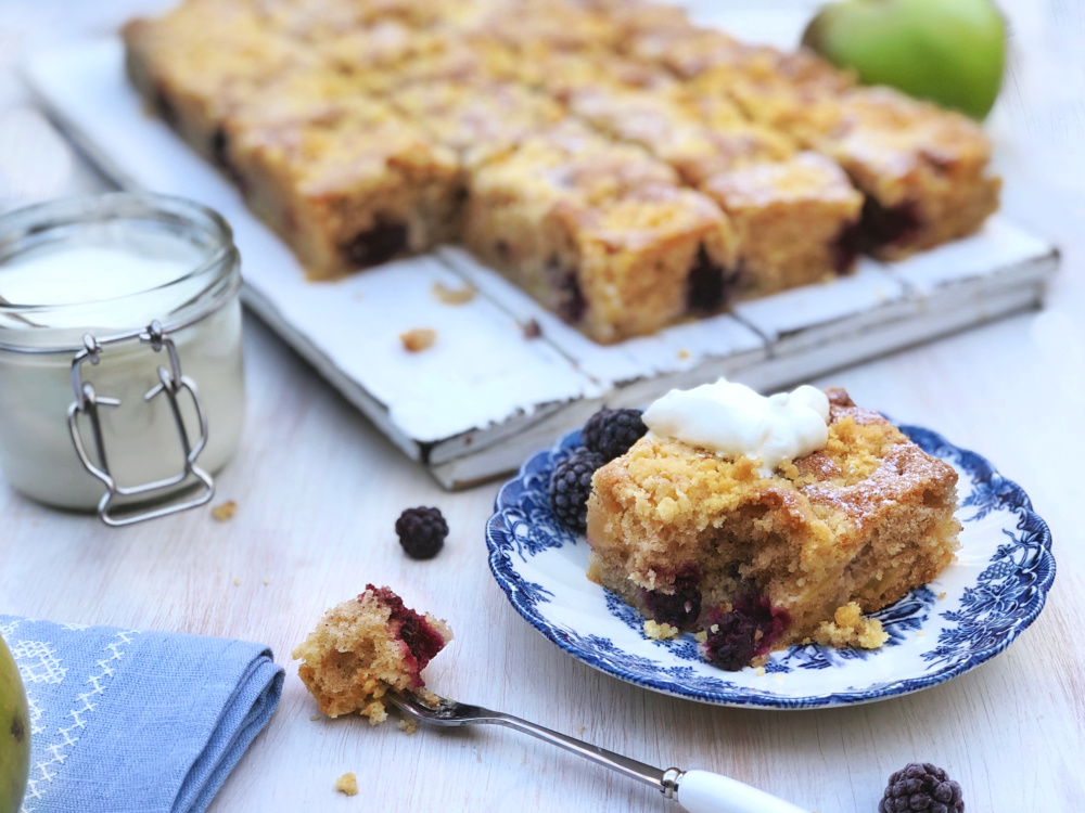 Apple and Blackberry Crumble Cake.jpg