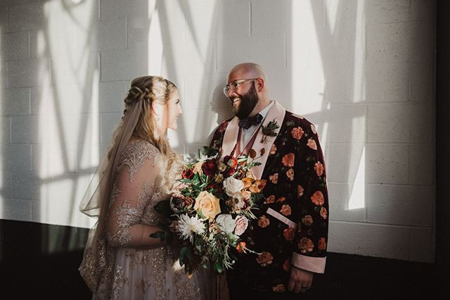 Every detail of this wedding was filled with so much personality and charm, but nothing beats the style of the couple themselves 👌✨   #unionpinewedding #portlandeventspace #pdxstyle #pdxwedding #portlandweddingvenue #unionpine  Photographer: @alixann_loosle_photography  Groom's Jacket: @ajmachete  Wedding dress designer: @olegcassini Floral: @goodseedfloral
