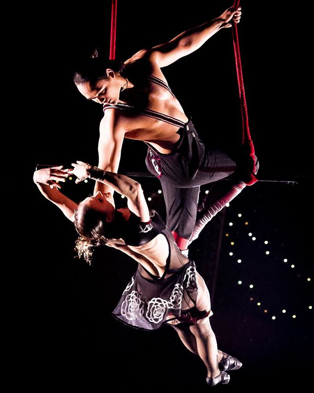 It's the last three weeks for us here in @teatro_zinzanni #chicago !!! Time is really flying by for us so get your tickets before our departure September 29th!!! https://zinzanni.com/chicago/ . . . #duotrapeze #circus #circuslife #fun  #circusaroundtheworld #circusinspiration #circusinternational #love #circuslove #aerial #splits #contortion #bendy #relationshipgoals #fitness #fitnessmotivation #aerialbeauty #cirquegram #cirquduinsta #dynamicduo #cirfit #relationshipgoals #travel #closing