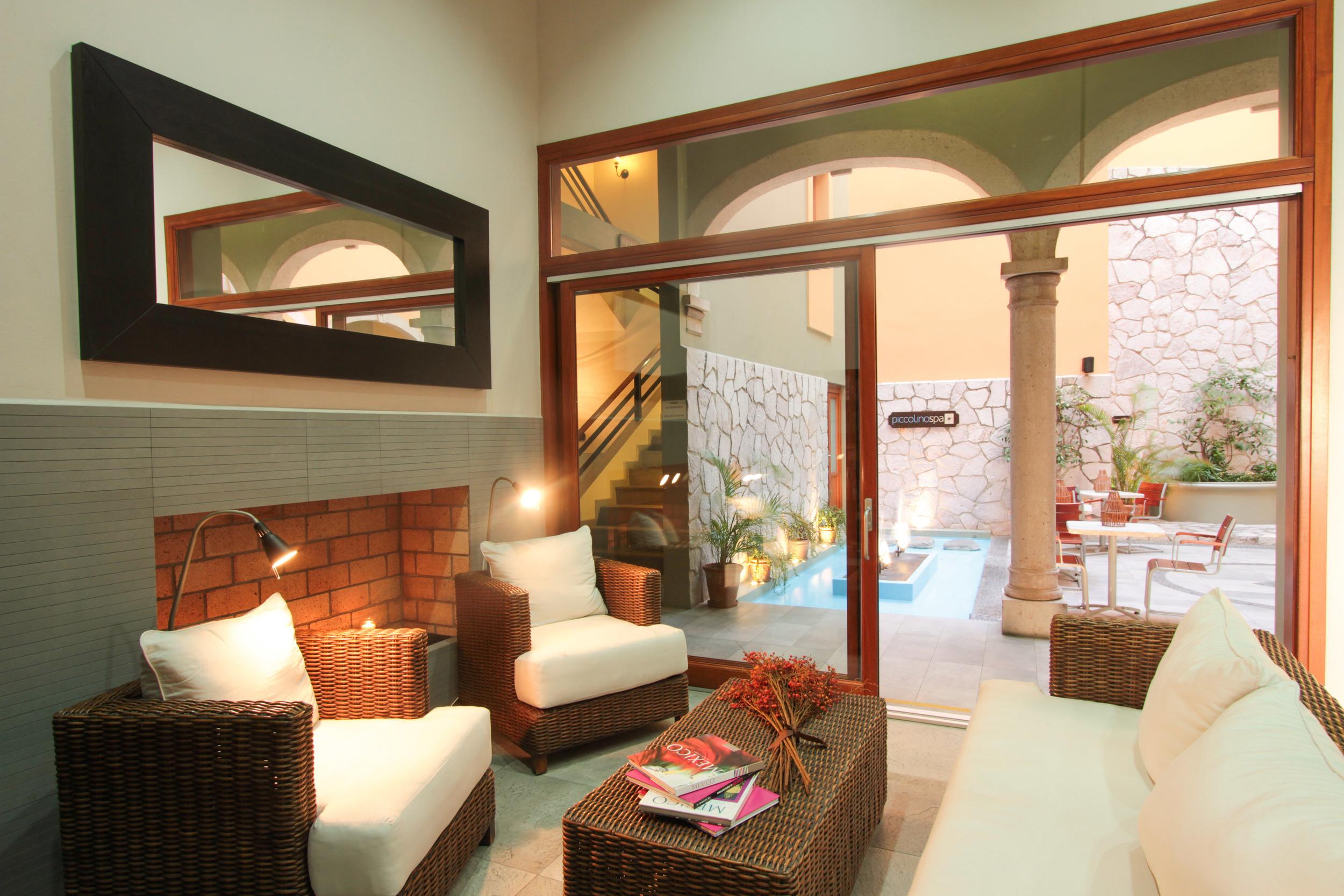 library area in casa lucila hotel boutique
