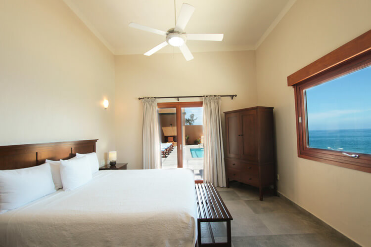 spacious room in mazatlan
