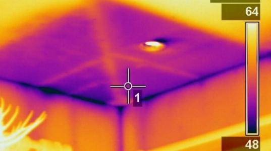 missing-insulation-in-a-new-home-ceiling.jpg