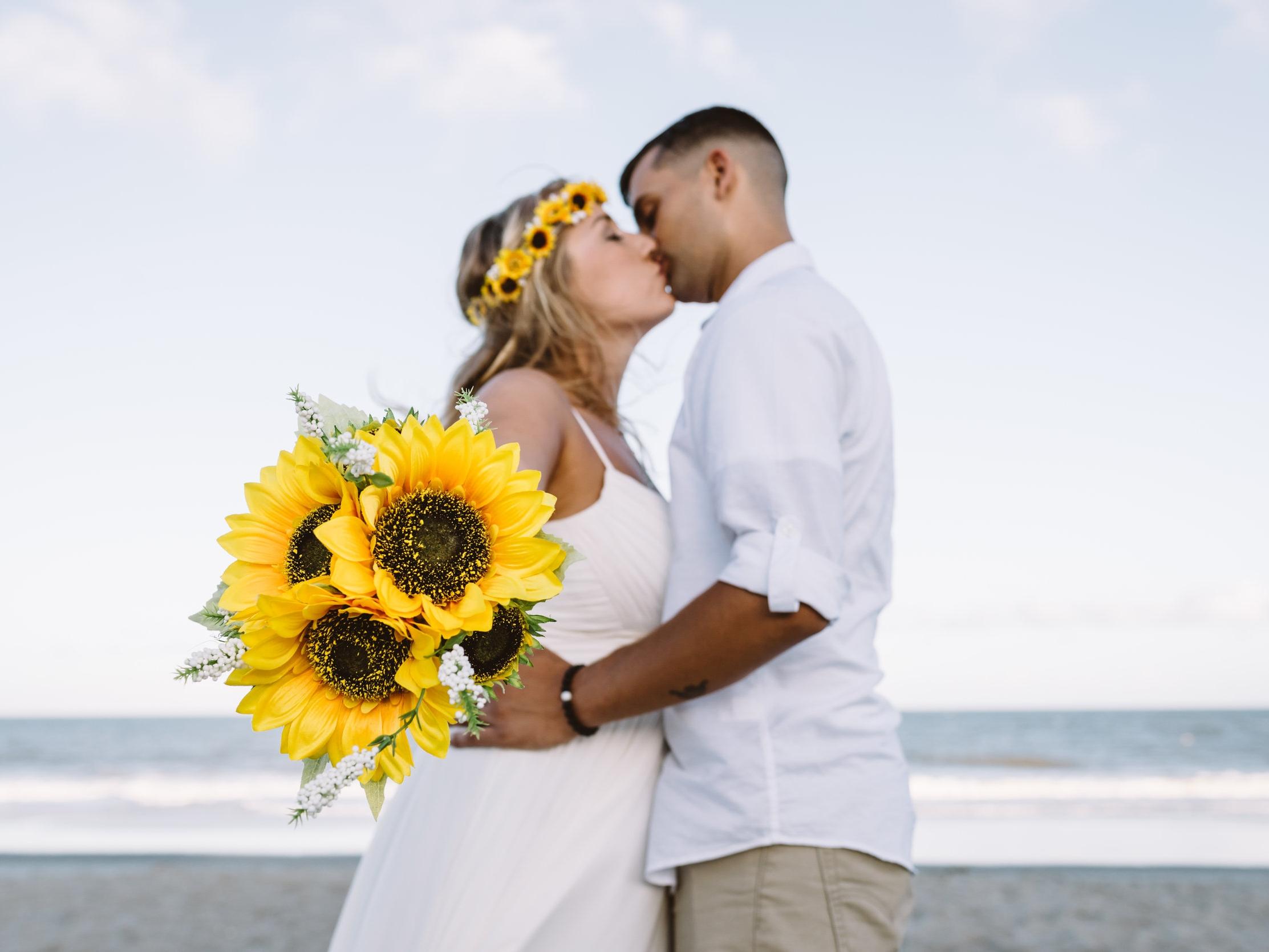 TAYLOR + JOSH - WEDDING