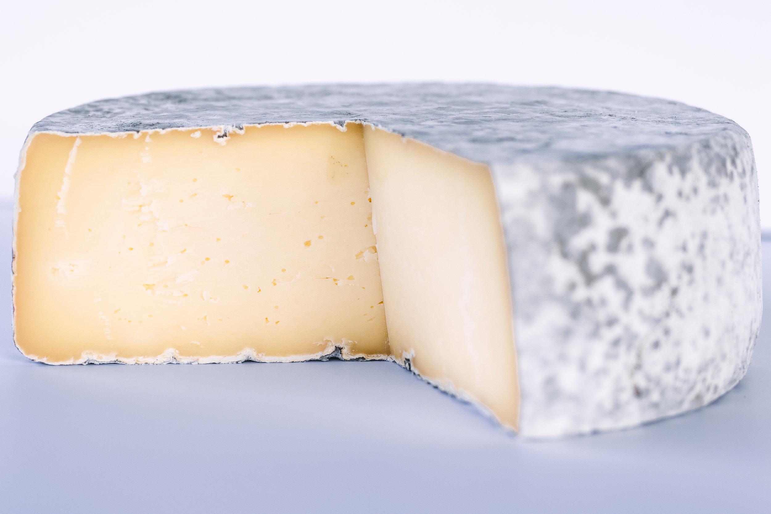 Cumberland - Raw Milk/Aged 90 Days (more info)