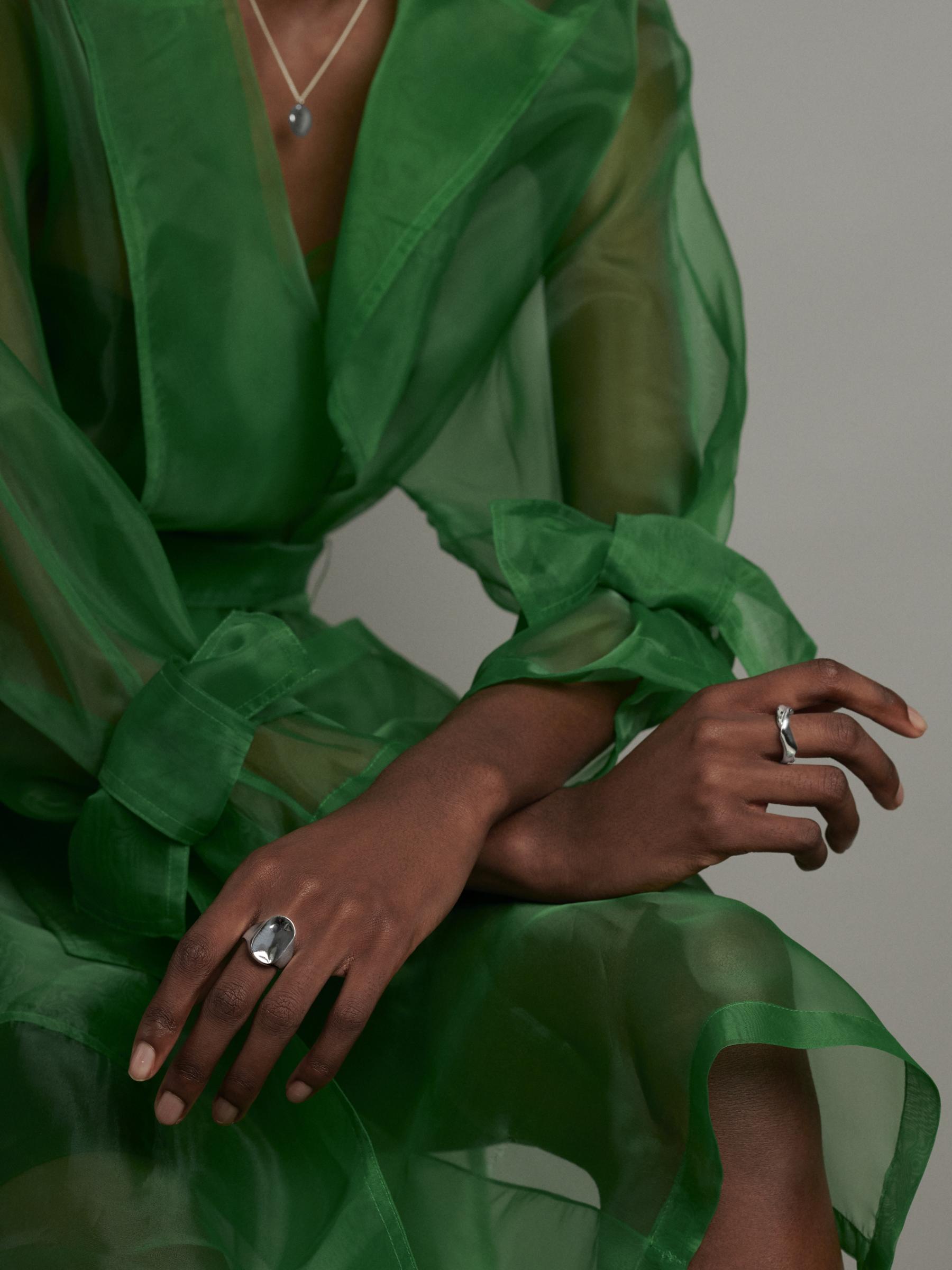 ONMODEL14 - signet green - agathe.jpg