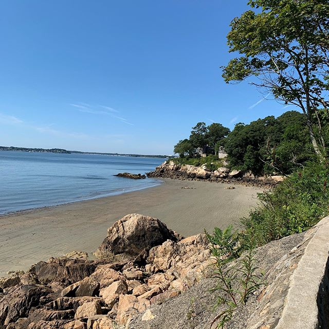 Mornings like these ☀️ ❤️ . . . #beverlyma #northshorema #beach