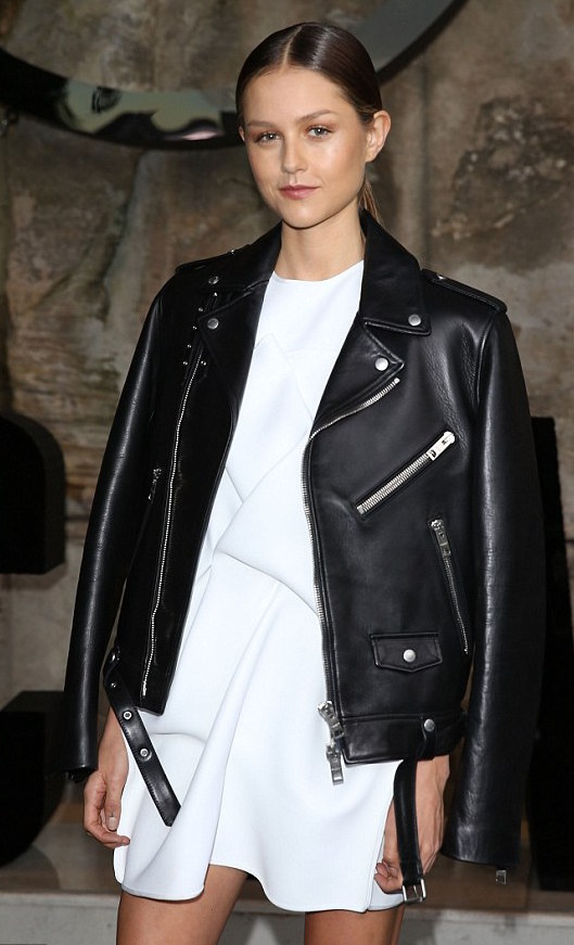 342FD00400000578-3591157-Chic_Isabelle_Cornish_wore_a_white_dress_with_a_black_leather_ja-a-89_1463304482603.jpg