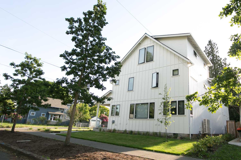 sold-by-salgado_francisco-salgado_realtor_real-estate-broker_portland-contemporary-modern-homes-for-sale0283.jpg