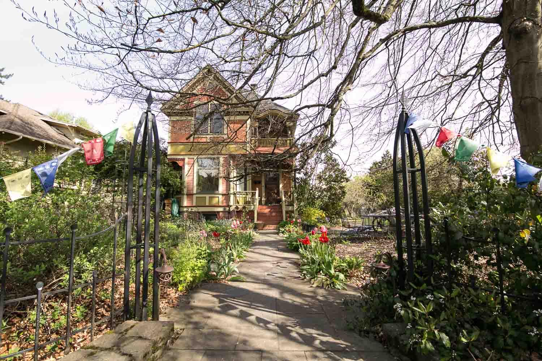 sold-by-salgado_francisco-salgado_realtor_real-estate-broker_portland-victorian-homes-for-sale_6510.jpg