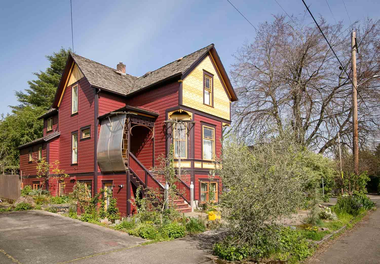 sold-by-salgado_francisco-salgado_realtor_real-estate-broker_portland-victorian-homes-for-sale_6505.jpg