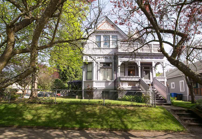 sold-by-salgado_francisco-salgado_realtor_real-estate-broker_portland-victorian-homes-for-sale_6489.jpg