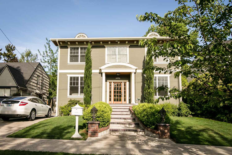 sold-by-salgado_francisco-salgado_realtor_real-estate-broker_portland-colonial-homes-for-sale_0151.jpg