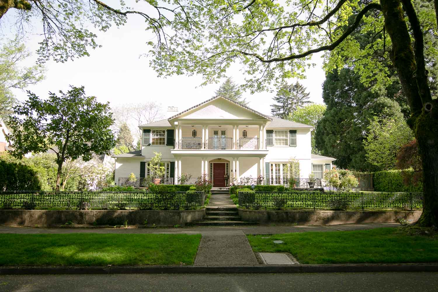 <strong>Colonial Revival</strong><p>Explore more »</p>