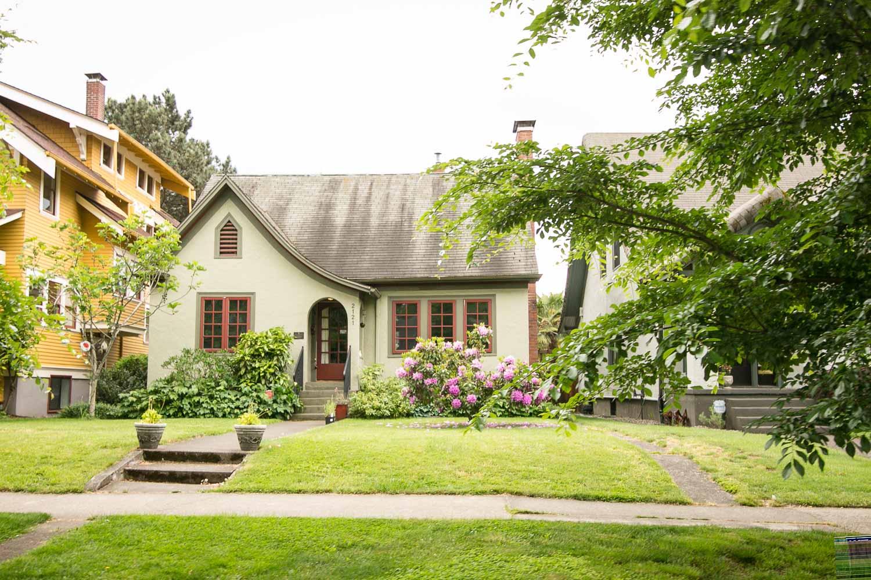 sold-by-salgado_francisco-salgado_realtor_real-estate-broker_portland-cottage-style-homes-for-sale_0551.jpg
