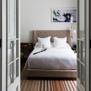 bed-min.jpg