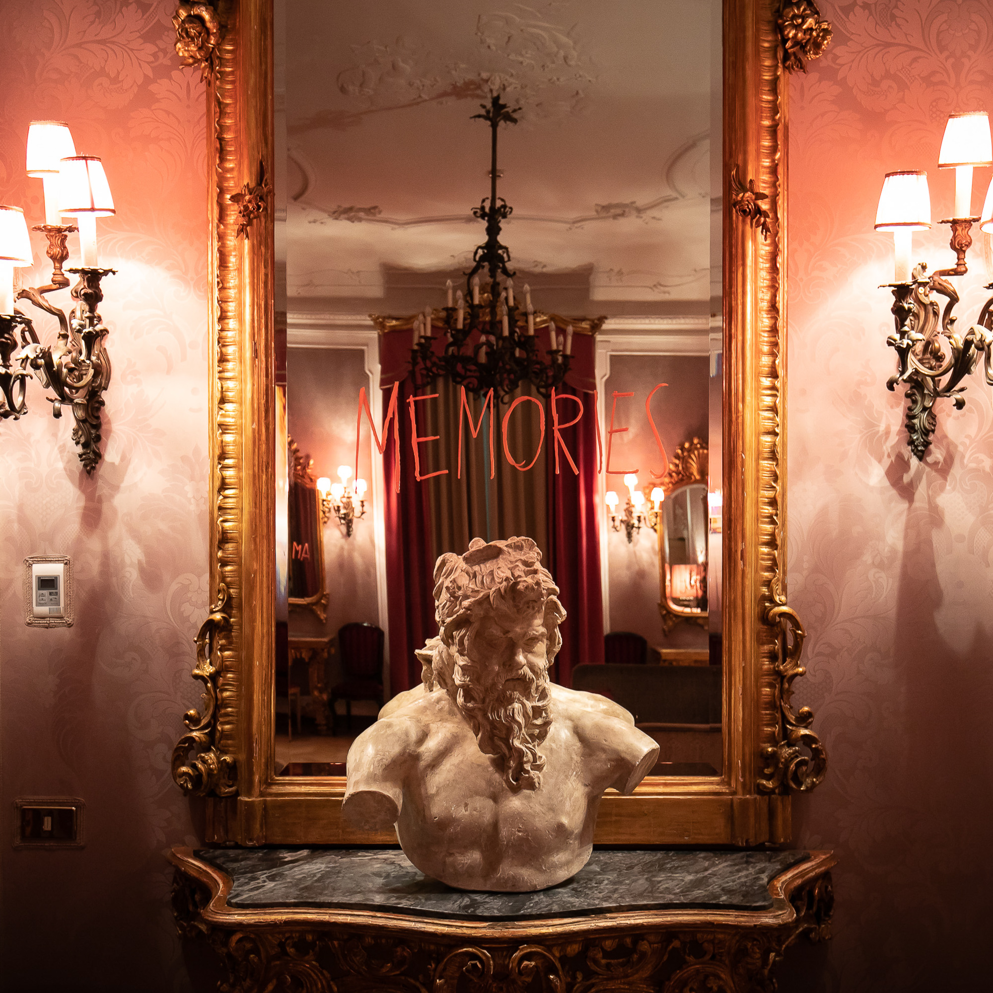 SILENCE! THE PARTY - MAURIZIO CATTELAN AT GRAND HOTEL ET DE MILAN