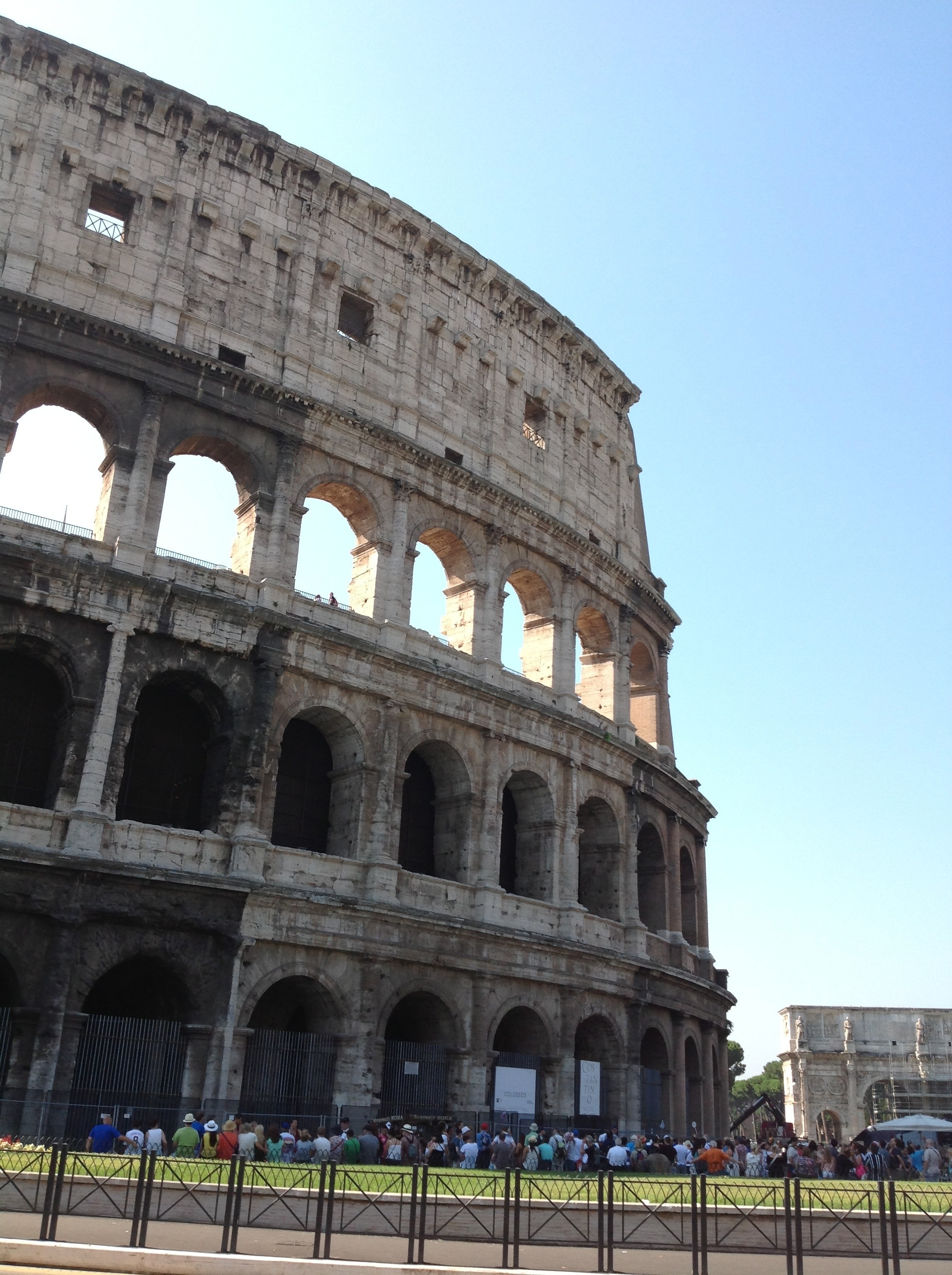 Il Colosseo (The — truly colossal — Colosseum);  70 C.E.