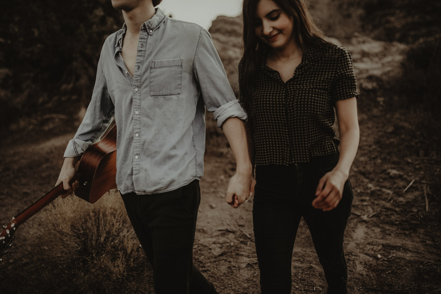 Vasquez rocks engagement photos-6.jpg