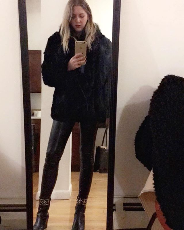 Out and about in NYC in my @aritzia vegan leather leggings and @jordantheprincess vintage fur coat