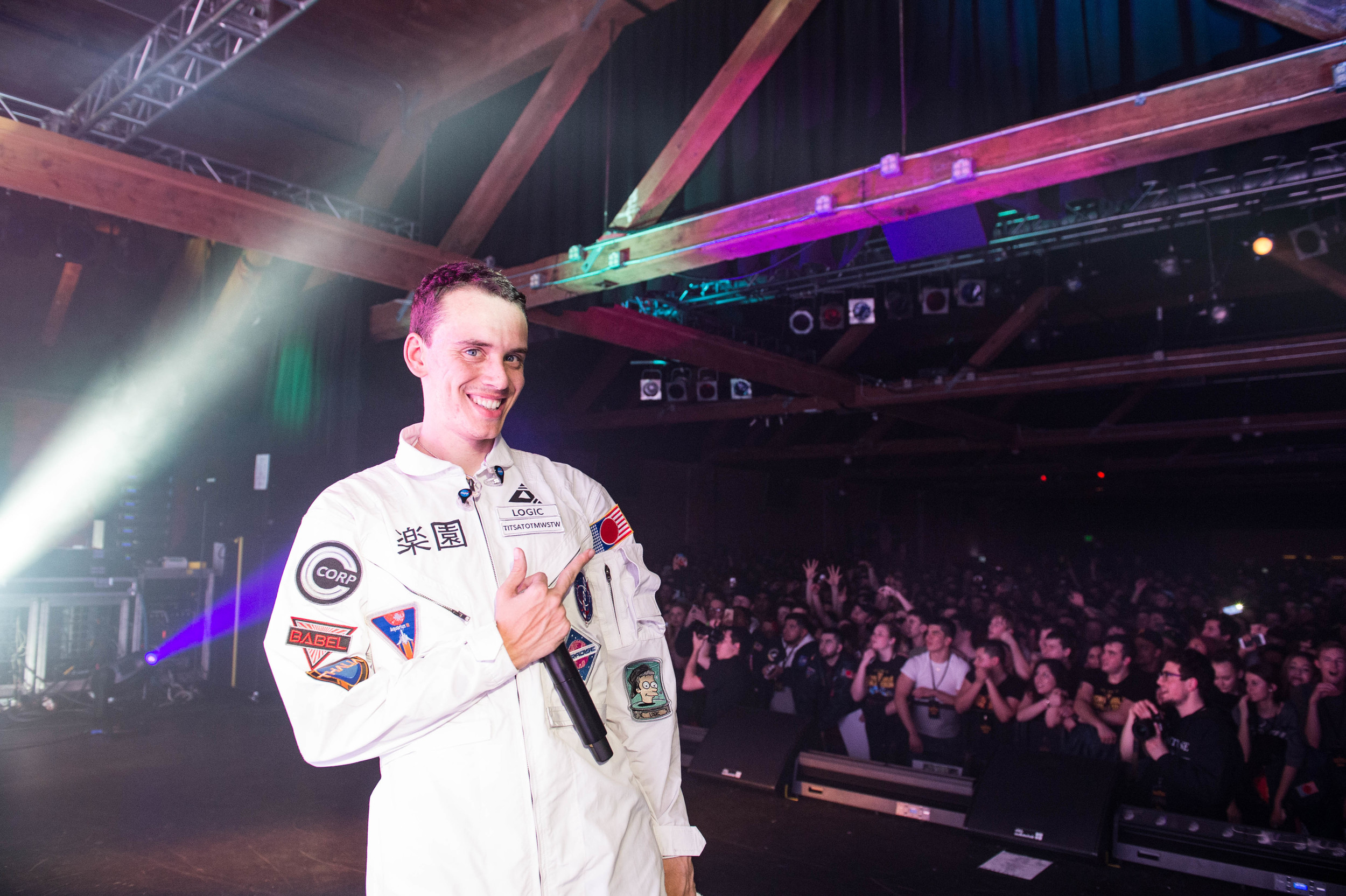 Logic flipping me off mid performance