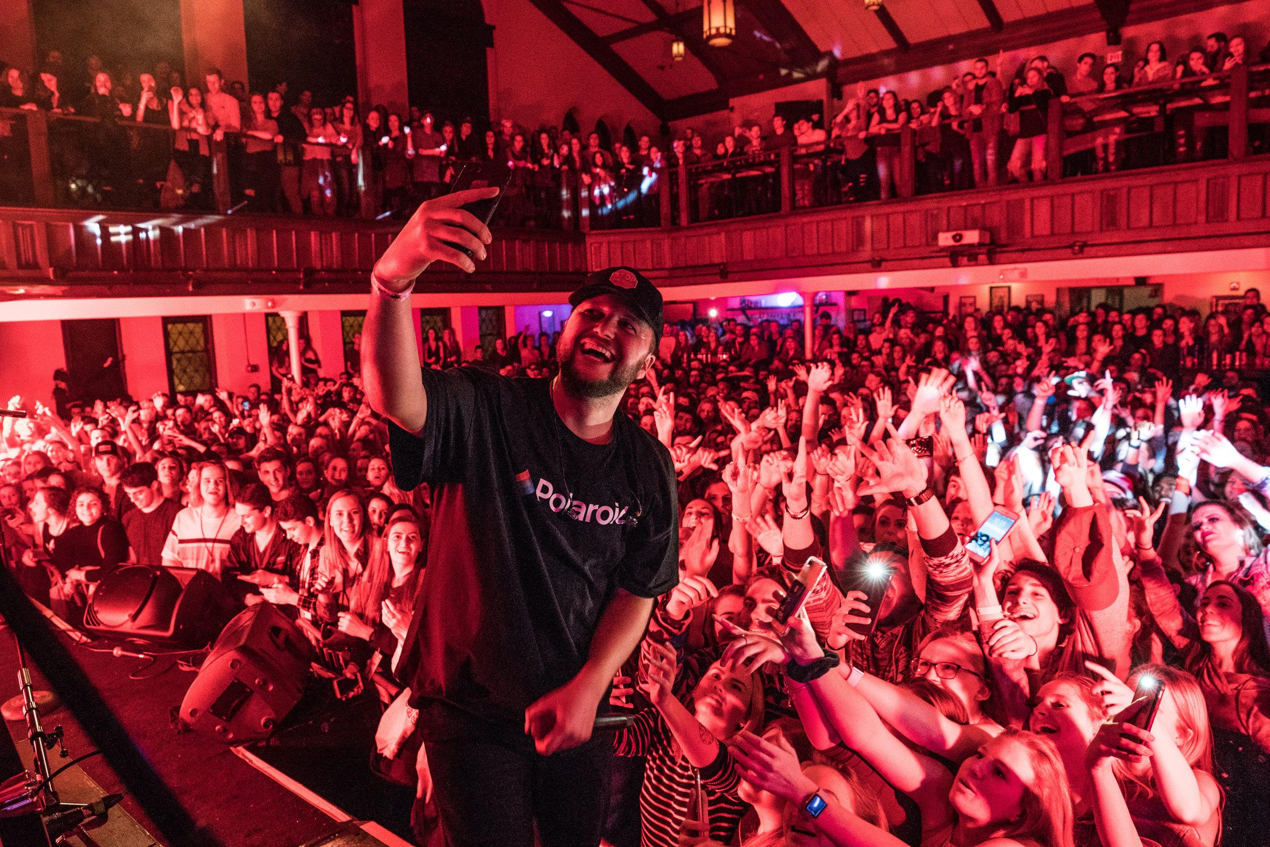 Crowd selfies in Columbus, 2018