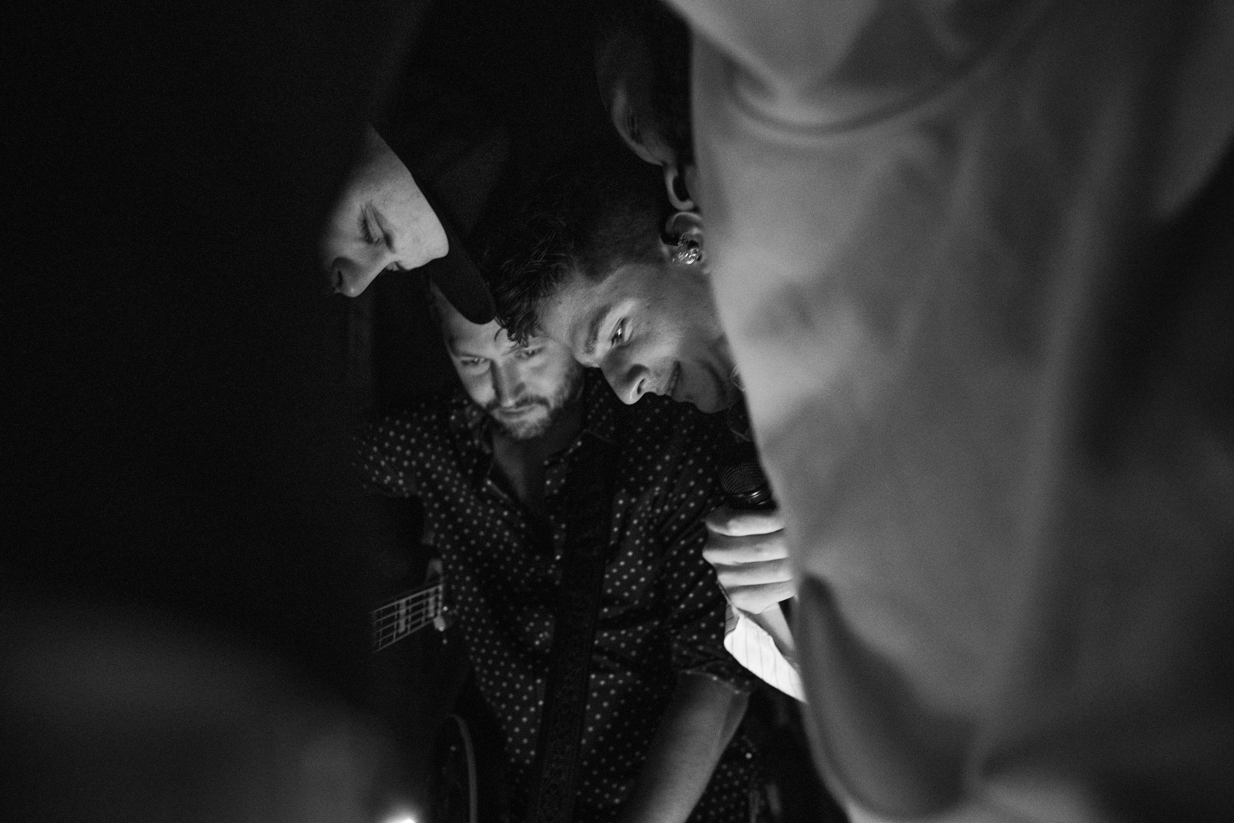 Pre show prayer with his band, 2018
